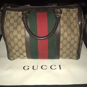 d39e7a37e4d0 Gucci medium top handle Boston bag